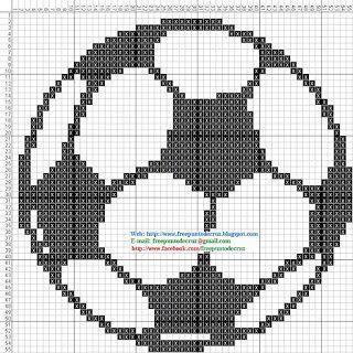Balón de fútbol a punto de cruz.