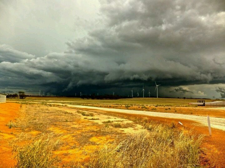 Wow, what an amazing photo of a stormy Merredin!