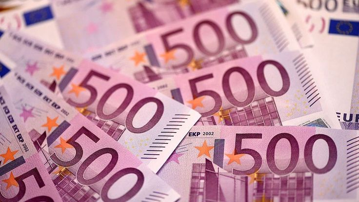 Euro wobbles after Italian referendum http://www.bbc.co.uk/news/business-38203813