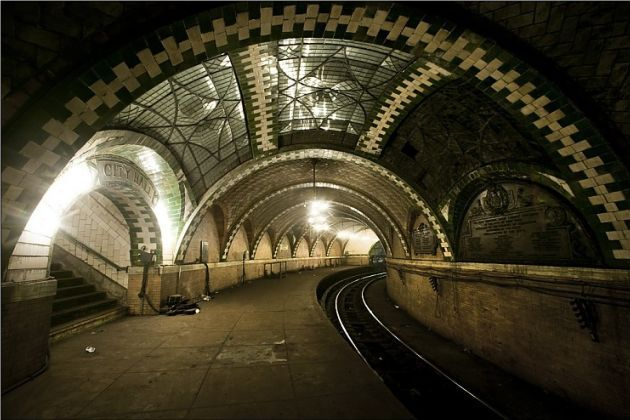 NYC's Disused Subterranean City Hall Station
