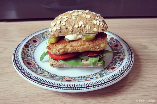 Voor de IKEAFoodchallenge maakte ik een kaasburger van Zweedse Harde Kaas met een zelfgemaakte Mosterd Mayonaise