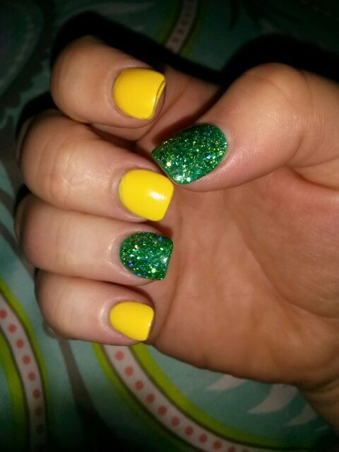 Yellow / green glitter nails, great for spring and john deere