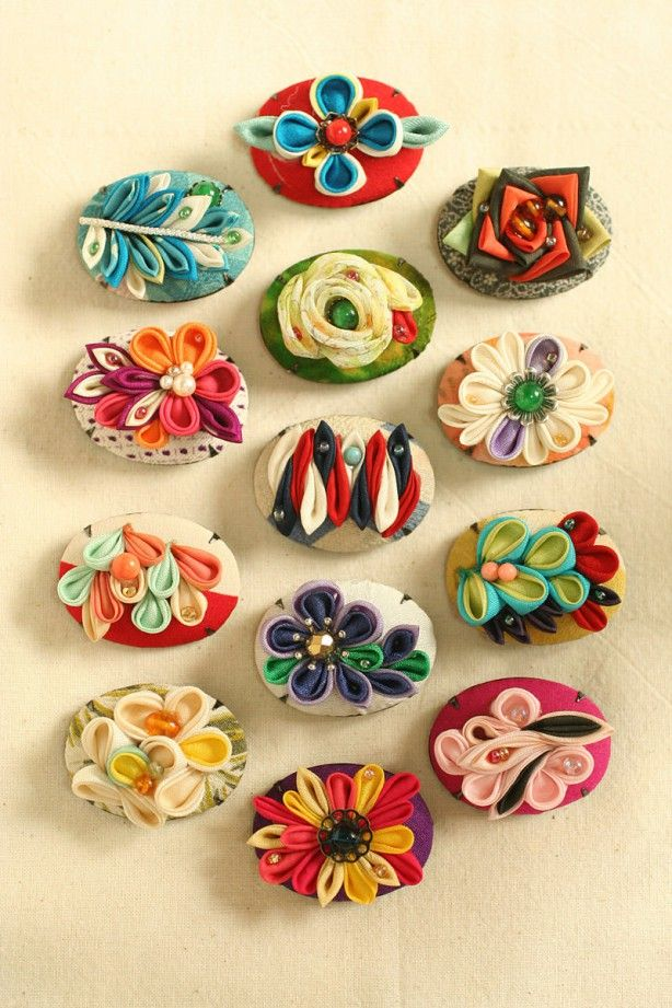 I just love her work. Himeko brand. I could do a whole board of her kanzashi!
