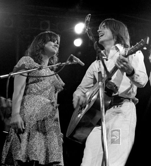 Linda Ronstadt And Jackson Browne (by Richard E. Aaron