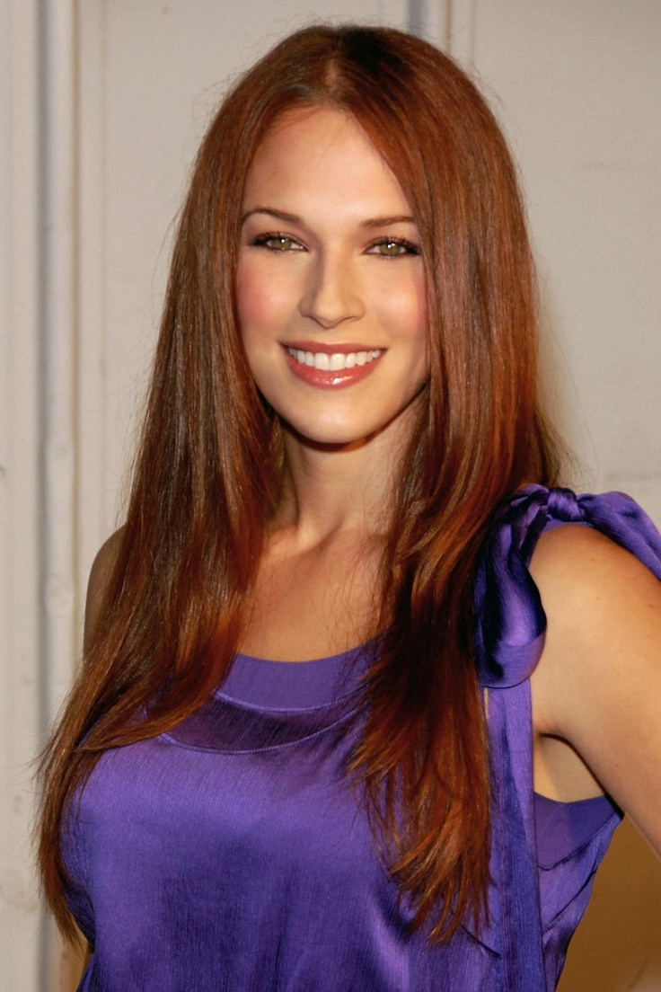 Amanda Righetti is beautiful in this pic.