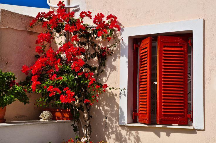 Summer Red - Santorini/Fira/Oia (from #luisdehoyos at www.500px.com/dhclicks )