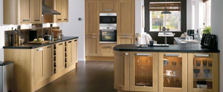 Tewkesbury Light Oak Kitchen Range | Kitchen Families | Howdens Joinery
