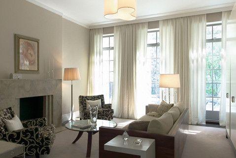 Cortinas fruncidas para grandes ventanales for Ventanales living comedor