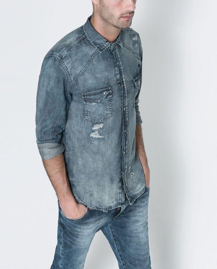 Una camisa vaquera de aire vintage no puede faltar en tu armario