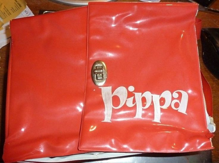 PIPPA DOLLS plus CLOTHES & CASE RETRO VINTAGE GR8 4 COLLECTOR & RE-SALE To Buy Direct Contact www.Browse-a-while.com,