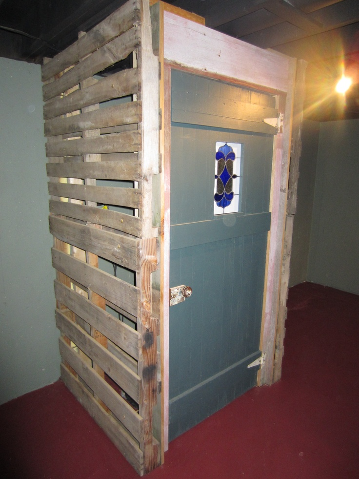 Something To Cover The Sump Pump Using Pallets And An Old
