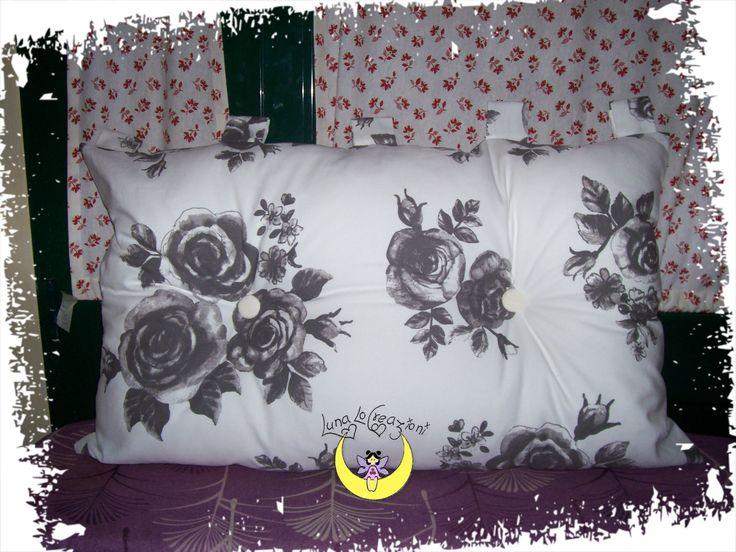 Cuscino testiera da letto con asole e bottoni decorativi,Cucita a mano.