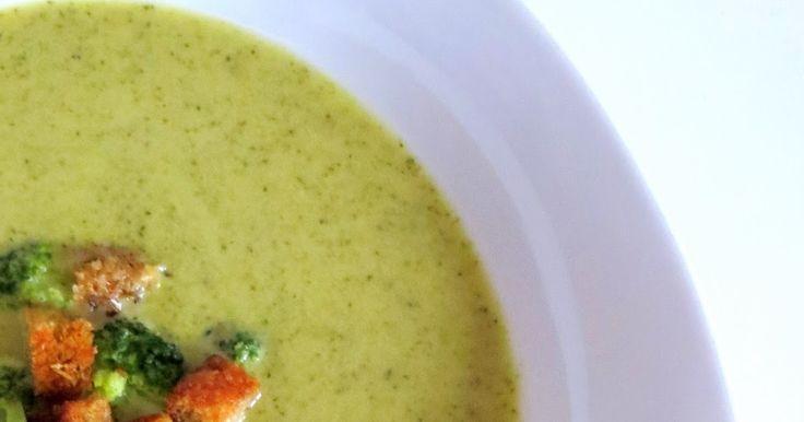 Ich habe eine Weile an der perfekten Brokkolisuppe rumgekocht und bin nun endlich mit dem Ergebnis glücklich.   Diese Suppe essen wir se...