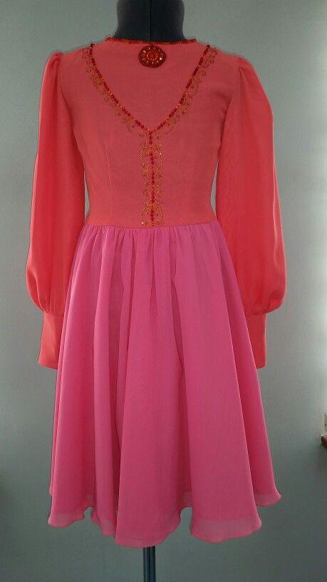 Платье из шифона, имитацией жилетки. Цена $74
