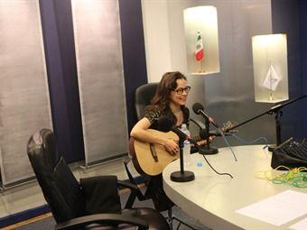 grabar una canción tocando mi guitarra