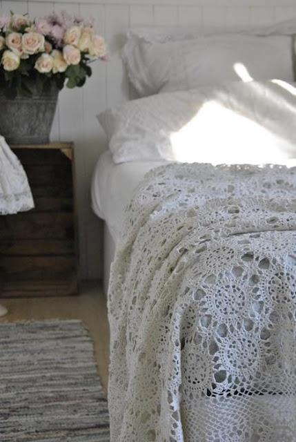 pretty crochet bed cover