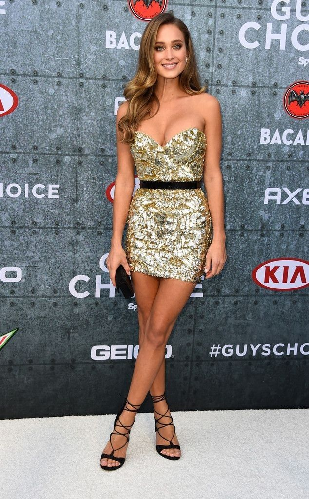 Pin by Kevin Williamson on Stylish in 2020 Hannah davis