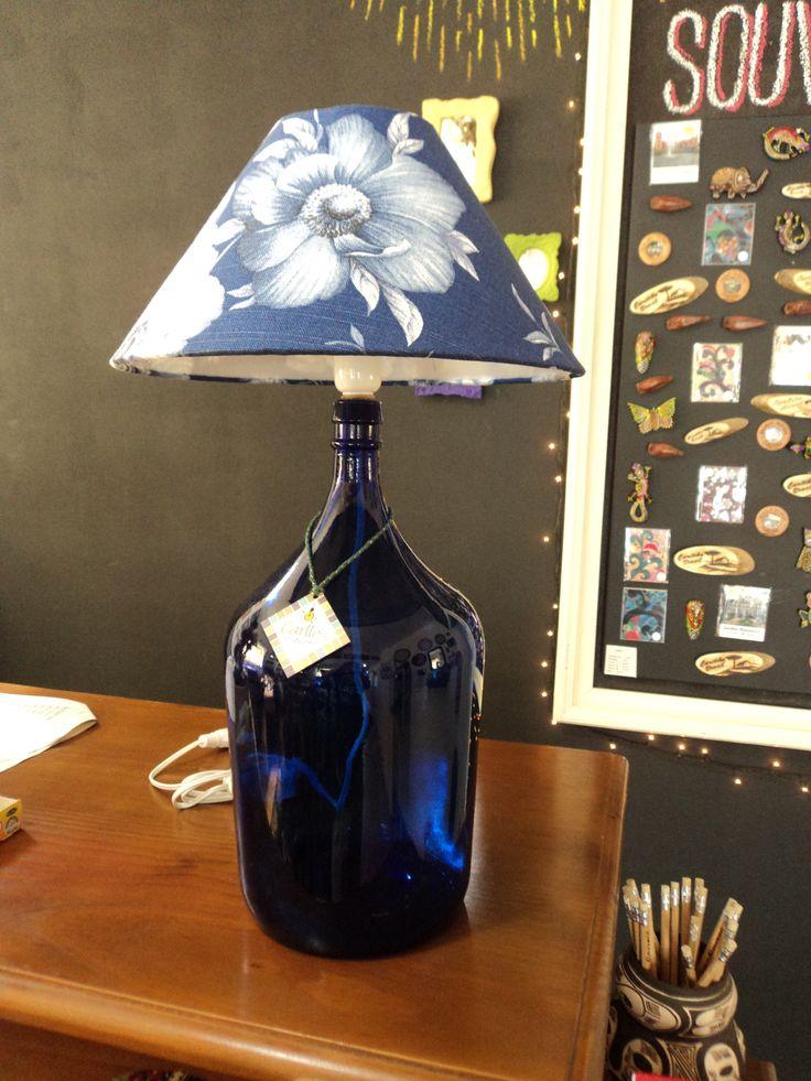 Reaproveitamento de garrafa para confeccionar um abajour decorativo e exclusivo