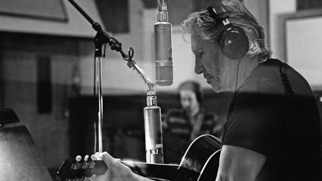 Roger Water en acoustique pour son nouvel album.