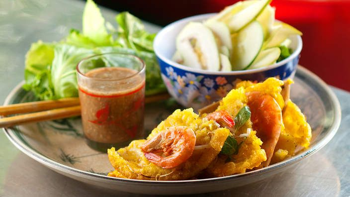 Luke Nguyen's hue pancake (banh khoai). Watch the video recipe/