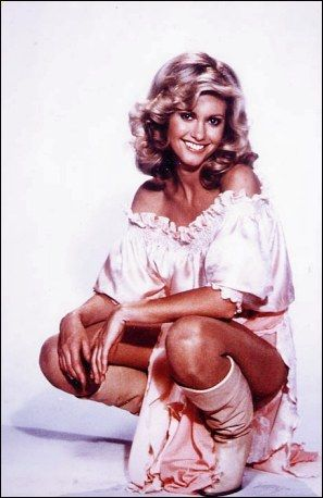 "Olivia Newton-John as Kira in Xanadu. This was her ""muse"" outfit and it was sooooo pretty. #80s #moves #pink"
