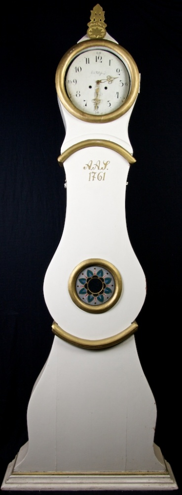1761original antique swedish white gold mora clock from swedish interior design www.swedishinteriordesign.co.uk www.bespoke-handmade-furniture.co.uk http://homewithmadeleine.blogspot.co.uk/ http://swedishinteriordesign.blogspot.co.uk/ http://cookingwithmadeleinelee.blogspot.co.uk/ pic swedish interior design