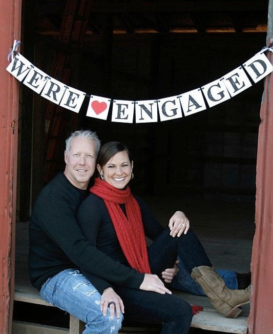Engagement photo sign / banner