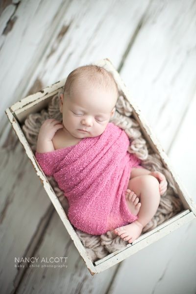Nancy Alcott Photography | www.nancyalcott.com | #newborn #newborngirl #wrappednewborn