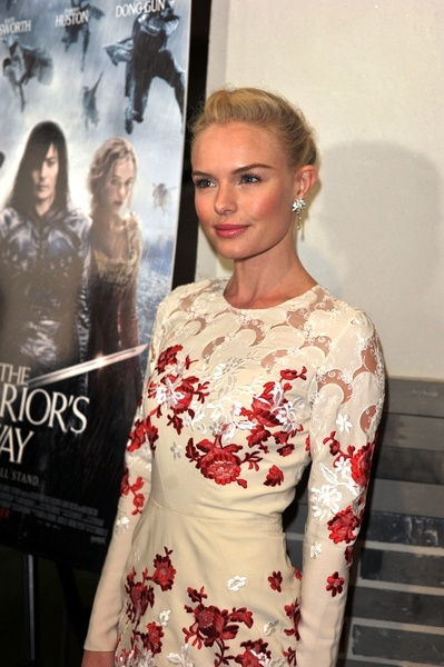 Kate Bosworths sleek, smooth updo
