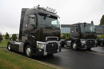 Компания Renault Trucks подписала соглашение на поставку для заводской комплектации своих новейших грузовиков стандарта Евро 6 шинами Goodyear Kmax и Goodyear Fuelmax.