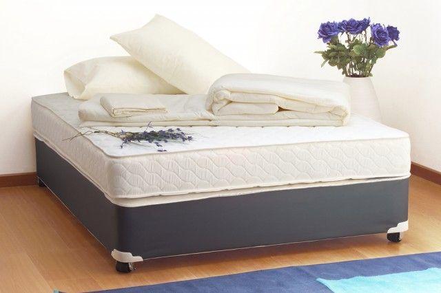 Pulire e disinfettare i materassi e i cuscini con il bicarbonato di sodio