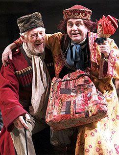 sylvester mccoy   Ian McKellen as Lear and Sylvester McCoy as The Fool in the RSC's 2007 ...