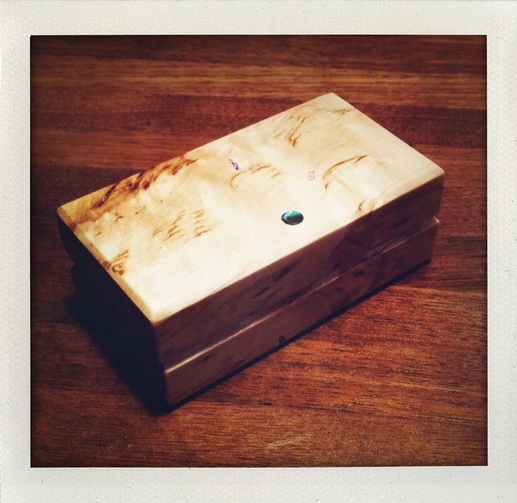 Jewellery box from curly birch