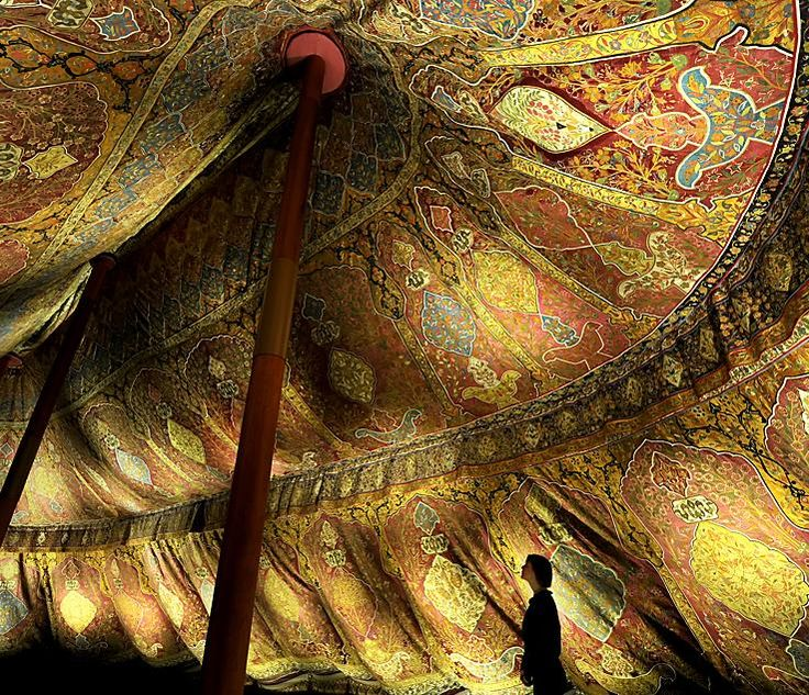 leanan-sidhe:    spirithouse:    constantflux:    crashinglybeautiful:kateoplis:  17th century Ottoman tent from the Dresden State Art Collections