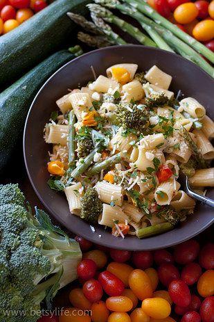 Vegetable Pasta Primavera | 19 Delicious Pastas You Can Make In 30 Minutes