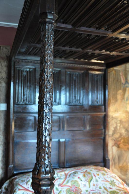 TUDOR OAK FOUR POSTER BED. ENGLISH. CIRCA 1540.