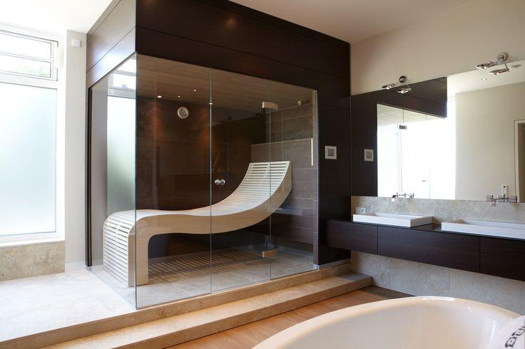 Sauna mit Glas über Eck #Erdmann #Sauna #ErdmannSaunabau #ErdmannExklusiveSaunen #Glas #Spa #Wellness