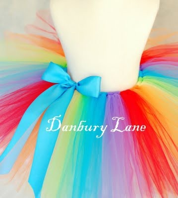 Rainbow tutu! ... Made something like this for Lilith! It is so freaking adorable.