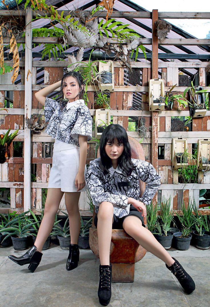 Smile Of Disguise by Livens Luna featured in Gadis Magazine ed.31 ( @Gadismagz )   Stylist: Indah Nainggolan (@innangg)  Model: Anggis Dinda (@gisdinda) & Gisela Martha (@giselamartha)   Rias Wajah & Rambut: Angga Gameza (Anggis) & Sakura (Martha)  Lokasi: GENUS Indonesia  Foto: Zaky Muhammad  Digital Imaging: Dany  #lpm2015 #majalahgadis #gadismagazine #gadismagz #jfw2016 #localbrand #indonesianbrand #digitalprint #smileofdisguise   Contact us  : livensluna@gmail.com Instagram : @Livensluna
