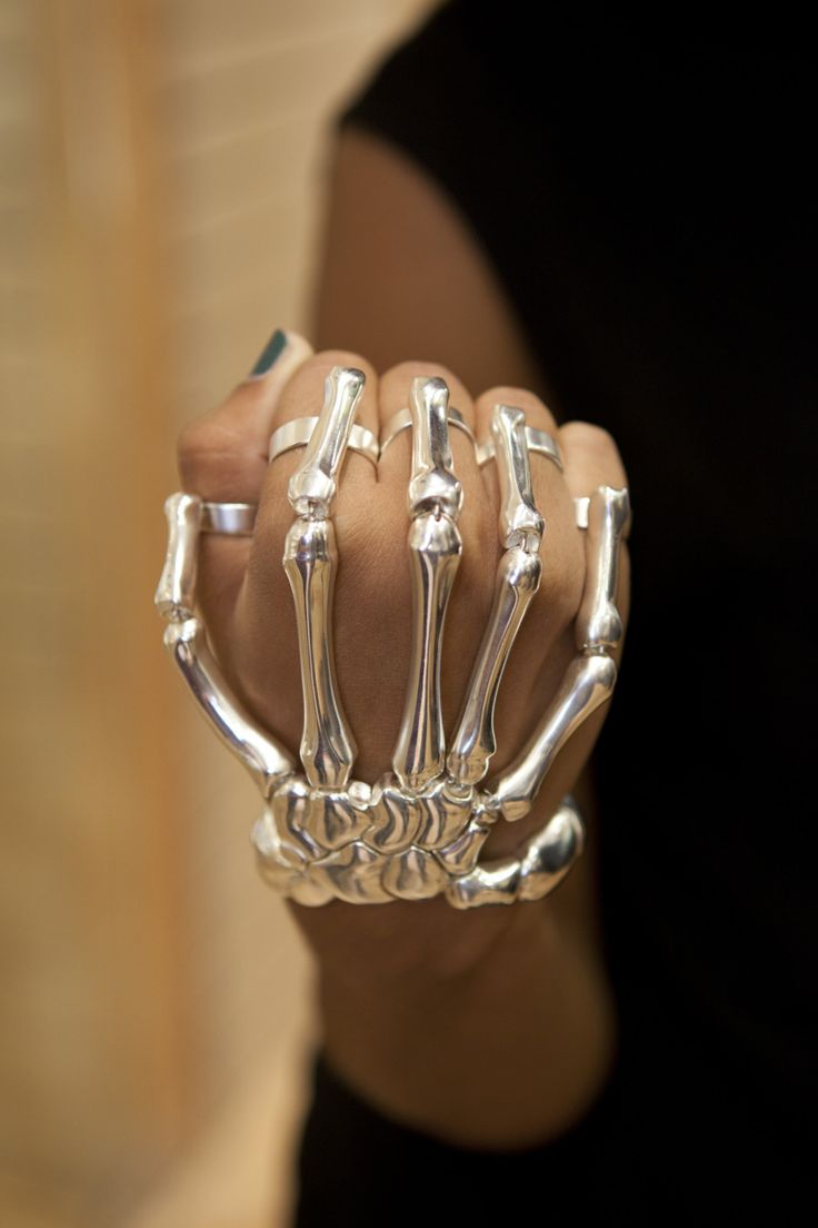 delfina delettrez skeleton hand bracelet. i'm pretty sure hot topic has a knockoff of this... why do i not own it? why is this not in my life??