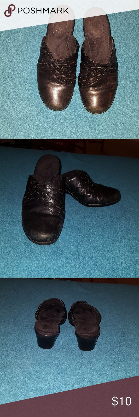 Women's mules Black leather, good condition Clarks Shoes