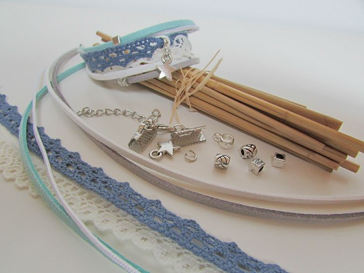 Kit Bracelet manchette ton bleu 6 cordons - 5 perles en métal argenté - 1 breloque - fermoir mousqueton - ref 12 : Kits, tutoriels bijoux par zyglinette