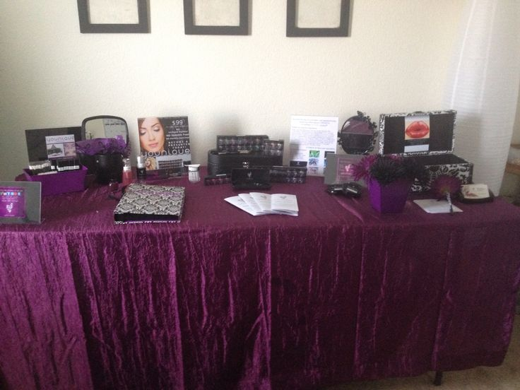 younique booth display