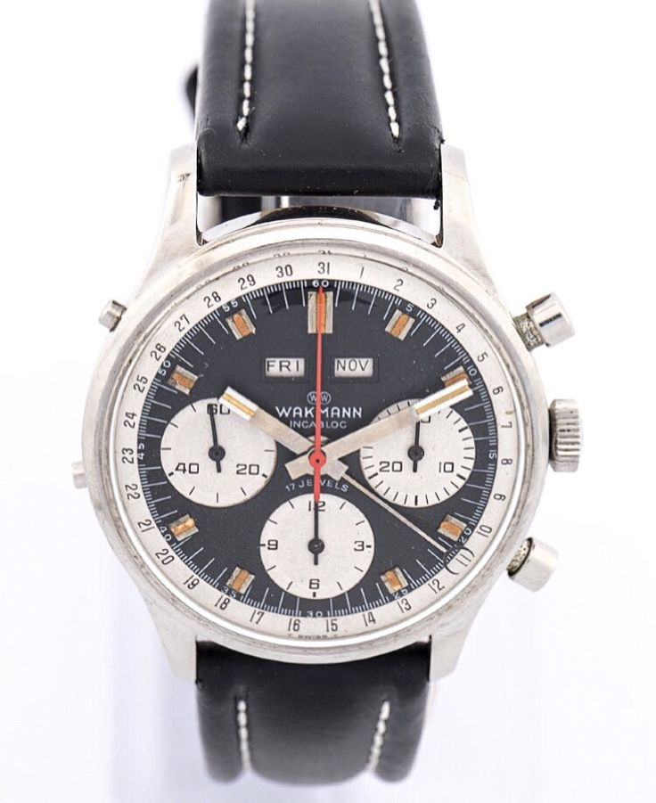Extra large Wakmann wristwatch chronograph with triple date made in the 60ies. High-grade Calibre Valjoux 733. Very nice. Find more details at our website, watch-time ID 2600. #wakmann #chronograph #tripledate #watchoftheday #vintagewatch #automatic  #vintage #luxury  #watchlover #watchaddict