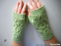 Вязание спицами для женщин. Вяжем митенки спицами. Описание вязания митенок спицами.