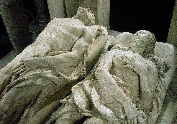 Sculture della Tomba di Caterina de Medici ed Enrico II nella Cattedrale di Saint-Denis. Enrico II morì molto prima della sua consorte Caterina,la quale ordinò che la sua tomba e quella del marito fossero costruite all'interno della cattedrale. Chiese che fossero realizzati due nudi,il primo,quello del marito,fu fatto in modo che sembrasse morto da più tempo rispetto a lei,la quale sembra si sia appena addormentata.