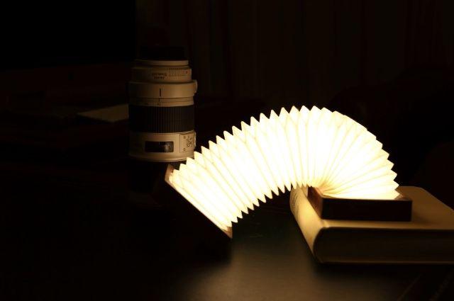 提灯から発想? カナダ発の折り畳めるスマートランプ「Orilamp」   roomie(ルーミー)