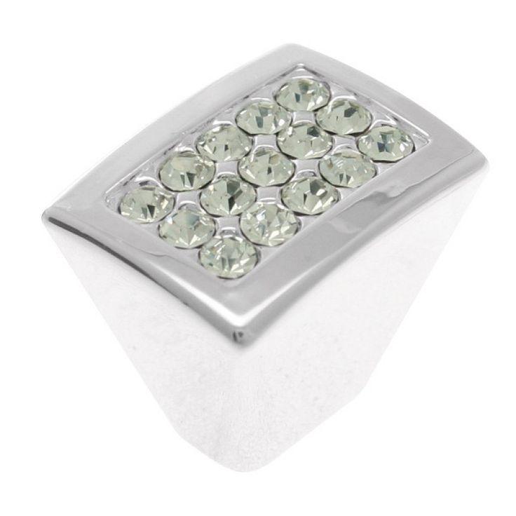 Vedin vessaan, pientä bling-blingiä :-) Nuppi Hk|Kristal