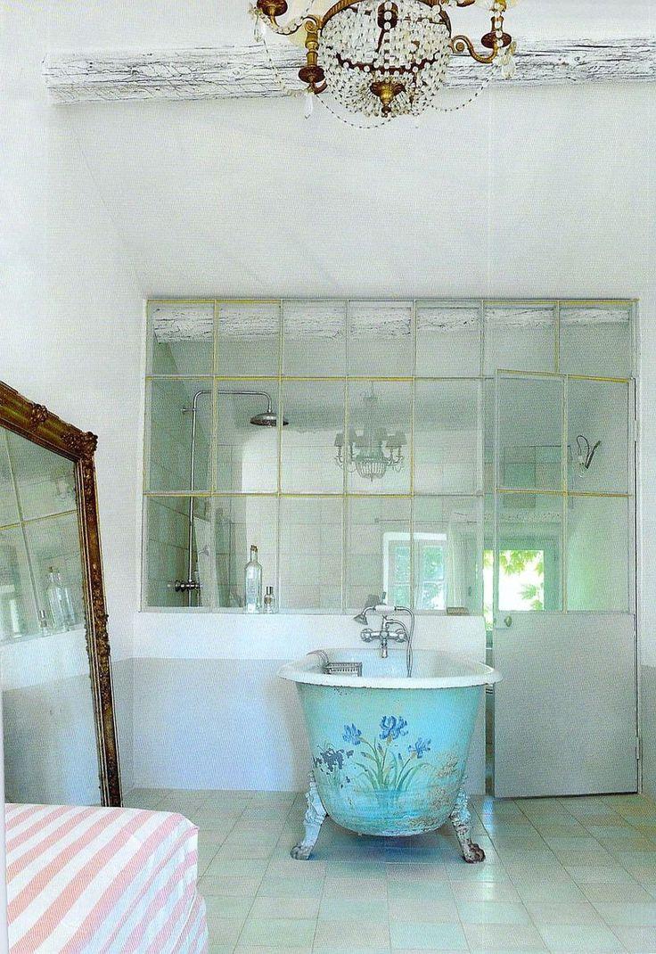 Blume badezimmer das fenster industriefenster bad zeug kreative ideen bad spiegel innere