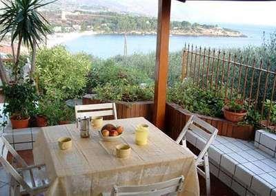 Book Casa Guidaloca, Scopello http://www.villas-italy.it/property/casa-guidaloca